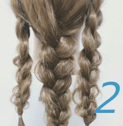 ロングヘアの方にオススメ☆三つ編み×ダウンヘア!2