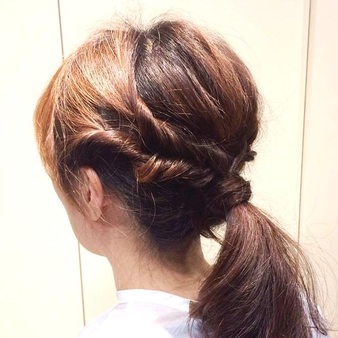 くるりんぱで作る簡単なオシャレなひとつ結びヘアアレンジ☆完成