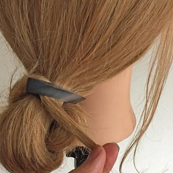 長い髪を可愛くまとめるヘアアレンジ☆7