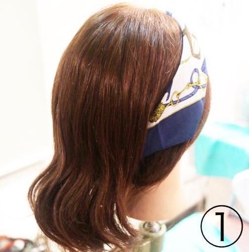 トレンドのスカーフを上手く活用☆スカーフ×まとめ髪アレンジ!1