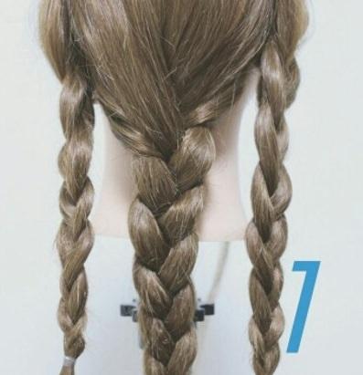 ロングヘアの方にオススメ☆三つ編み×ダウンヘア!1