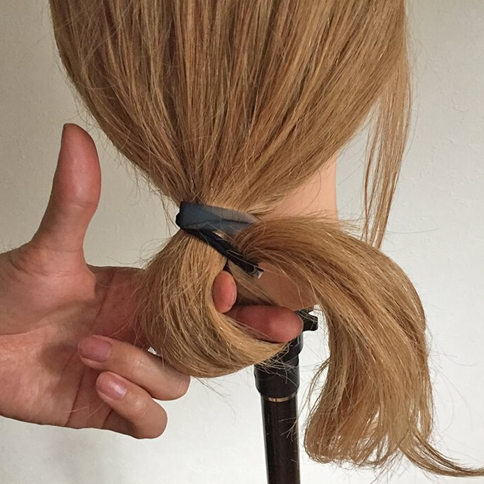 長い髪を可愛くまとめるヘアアレンジ☆2