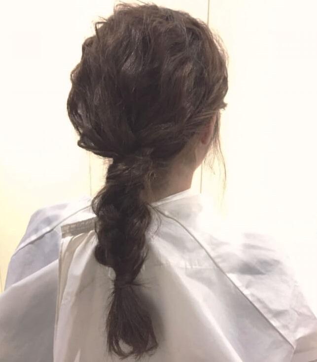脱巻き髪!人気の波ウェーブで作る三つ編みアレンジ☆4