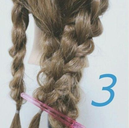 ロングヘアの方にオススメ☆三つ編み×ダウンヘア!3
