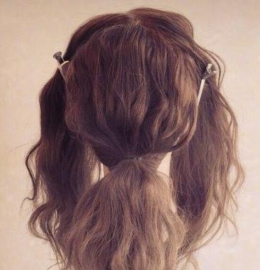 ニュアンスのあるまとめ髪ヘア!1