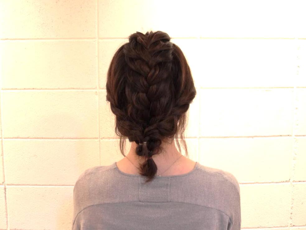 伸ばしかけの髪でも出来る編み込みアレンジ5