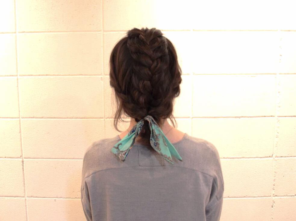 伸ばしかけの髪でも出来る編み込みアレンジ6