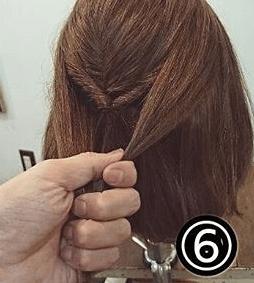 くるりんぱで簡単!ショートヘアのためのハーフアップアレンジ6