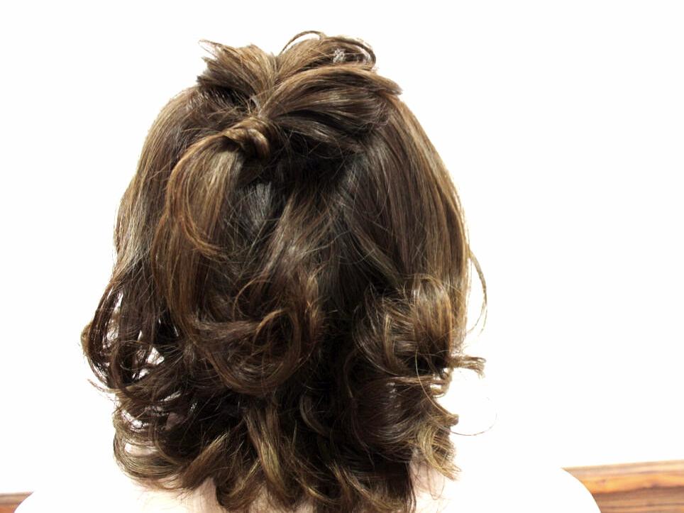 外ハネが可愛い!ニュアンスのあるまとめ髪アレンジ1
