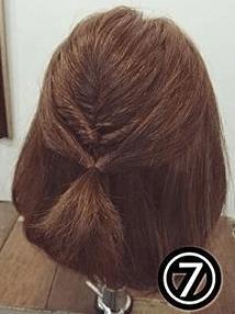 くるりんぱで簡単!ショートヘアのためのハーフアップアレンジ7