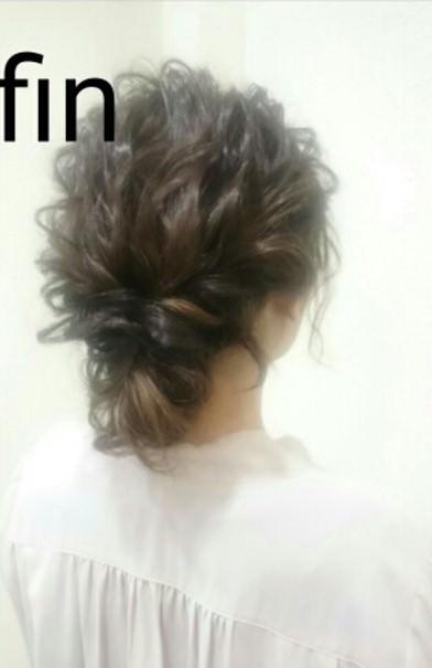 夏にピッタリ!くるりんぱを使ったゆるふわまとめ髪♪完