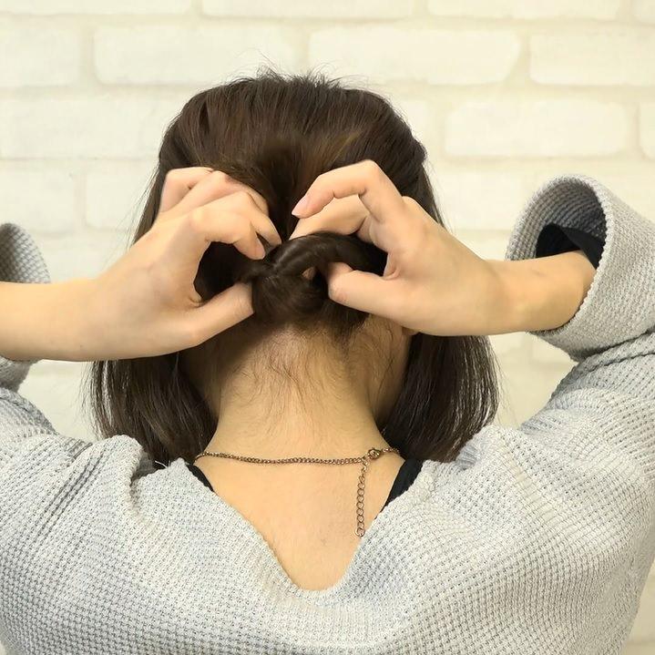 くるりんぱとたまねぎヘアで作る!爽やかなダウンヘア1