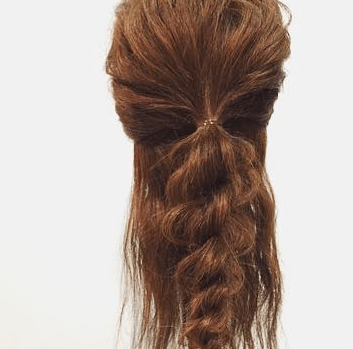 ロープ編みだけで出来る簡単まとめ髪アレンジ3