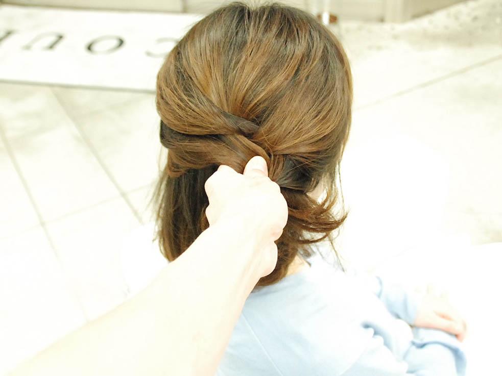 毛先をアクセ代わりに☆くるりんぱと編み込みの結婚式ヘア2