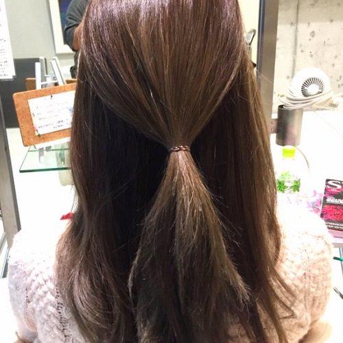 髪の広がりをカバー☆エアリー感がおしゃれなシニヨンアレンジ1