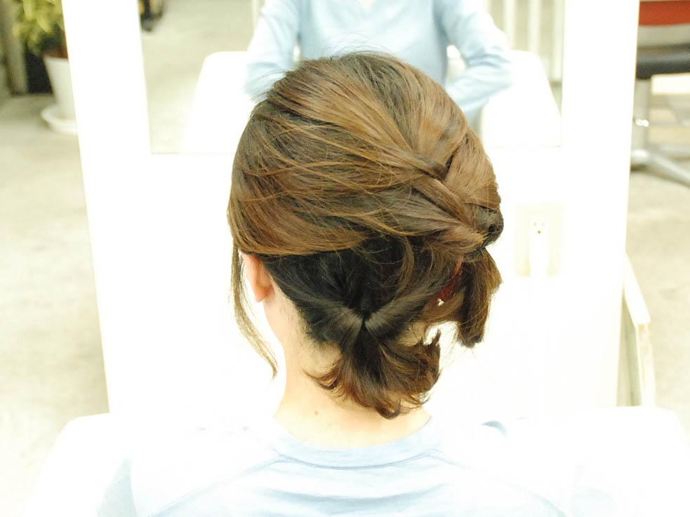 毛先をアクセ代わりに☆くるりんぱと編み込みの結婚式ヘア3