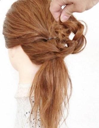 完成したうしろ姿がとってもキュート♡ヘアアクセ不要のデートヘア5