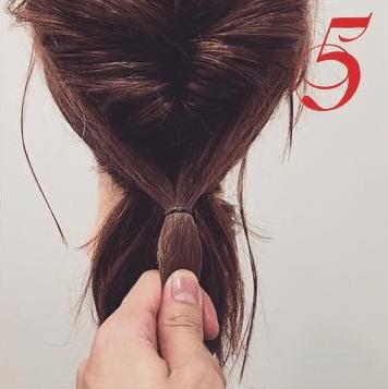 凝って見える☆ミディアムヘアのくるりんぱポニー5
