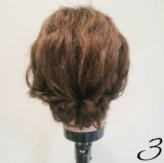 くるりんぱ×ロープ編みでまとめ髪アレンジ3