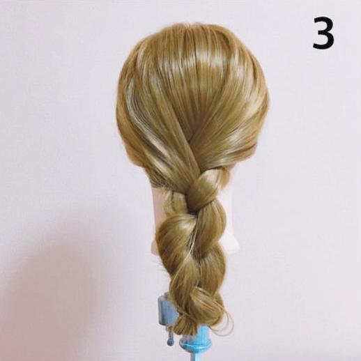 普通の三つ編みじゃない!まとめ髪×三つ編みアレンジ3