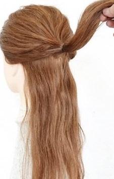 完成したうしろ姿がとってもキュート♡ヘアアクセ不要のデートヘア1.