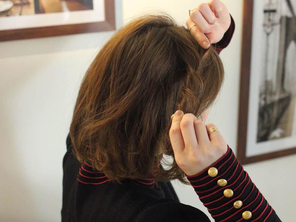 ボブヘアにもおすすめ!ねじり留めで簡単かわいいワンポイントヘアアレンジ☆3