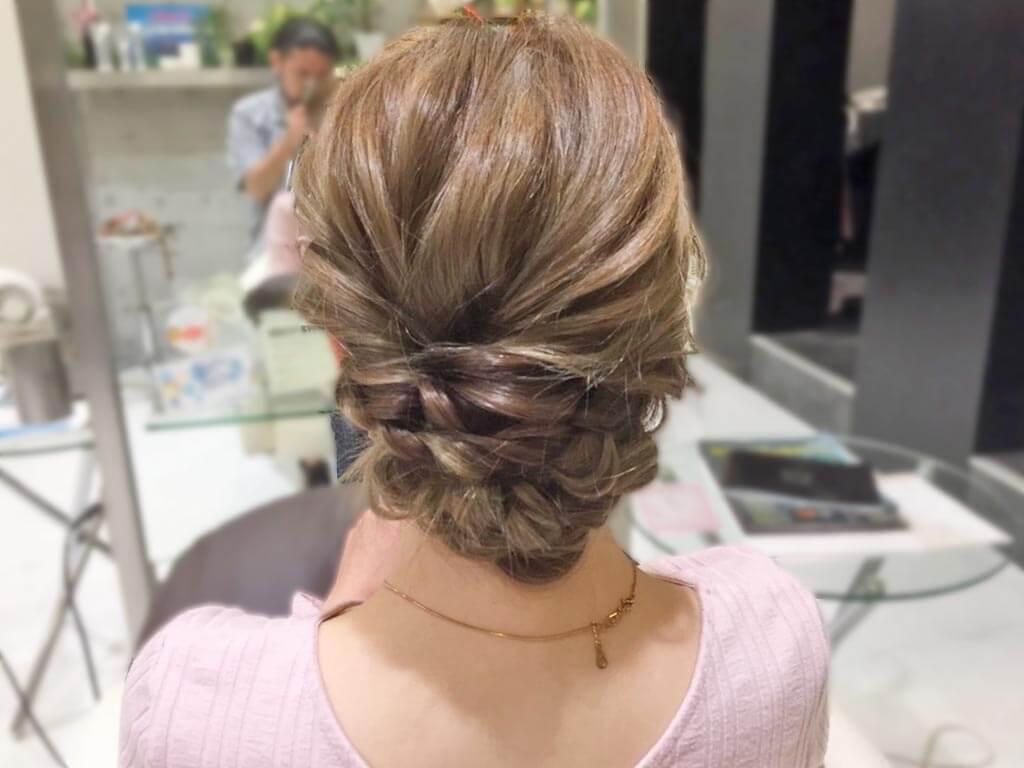 三つ編み×くるりんぱで作る簡単まとめ髪の作り方☆5
