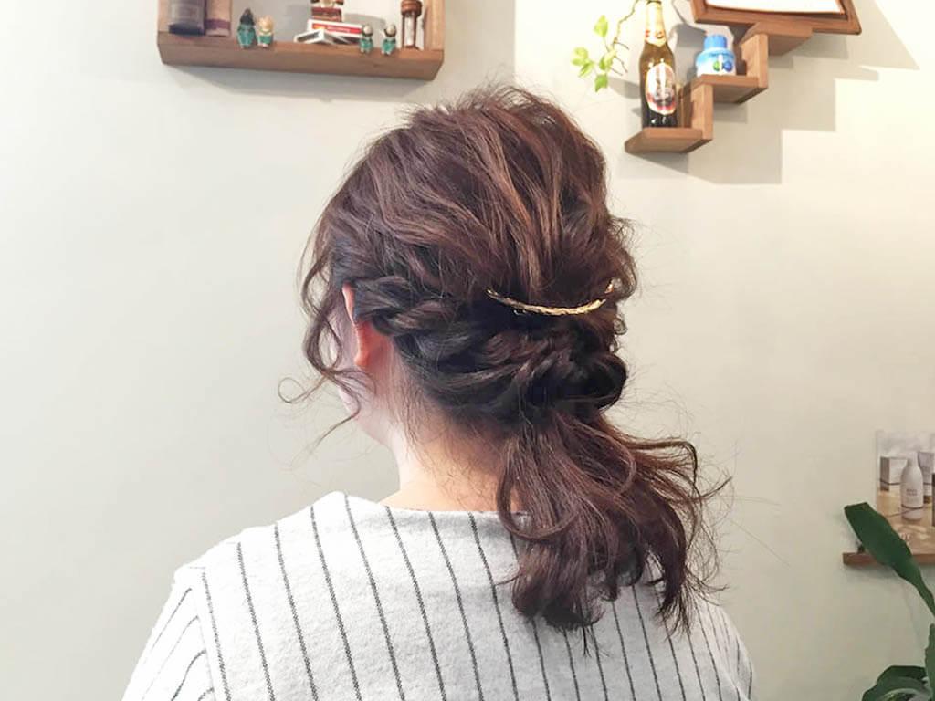 5分で完成!簡単くるりんぱアレンジまとめ髪1