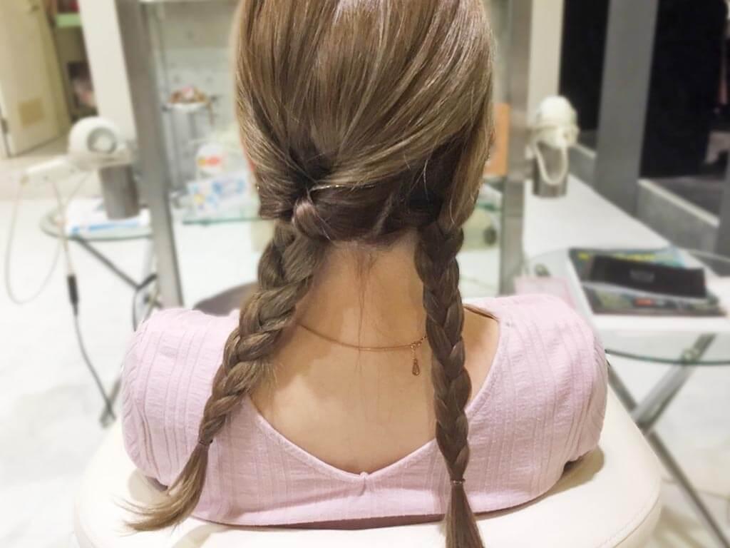 三つ編み×くるりんぱで作る簡単まとめ髪の作り方☆3
