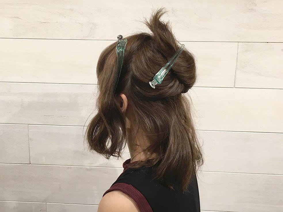 飾り付きのヘアゴムでヘアアレンジ☆2