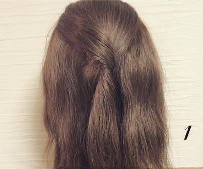 ねじってかわいい♡片寄せまとめ髪1