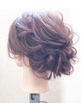 ミディアムヘアでもできる♪上品まとめ髪TOP