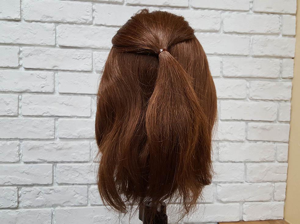 ミディアムヘアにオススメ♪パーティでしたいまとめ髪アレンジ1
