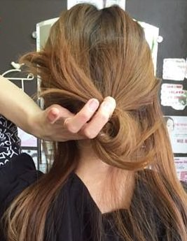 キャップにぴったり☆綺麗なまとめ髪アレンジ3