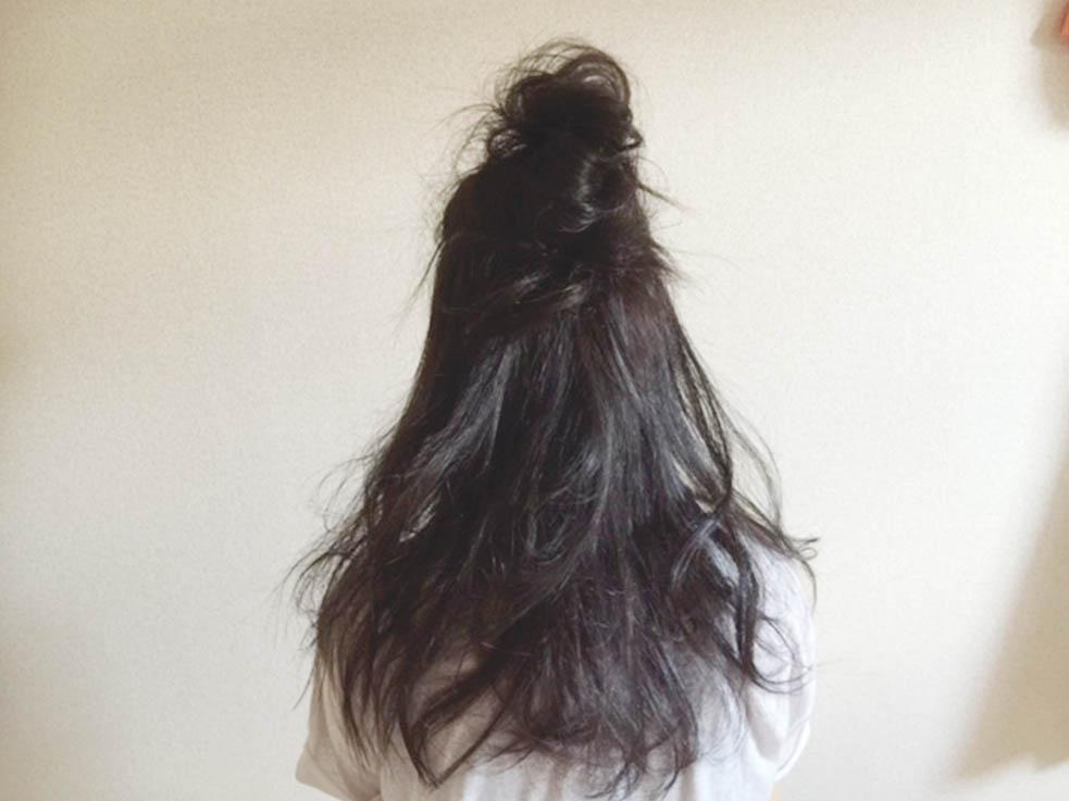 学生さんにおすすめ☆黒髪にぴったりのお団子ハーフアップTOP