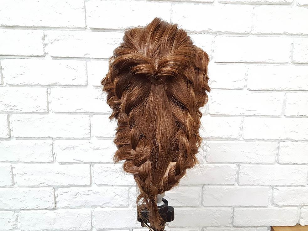 ミディアムヘアにオススメ♪パーティでしたいまとめ髪アレンジ4