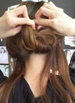 キャップにぴったり☆綺麗なまとめ髪アレンジ4