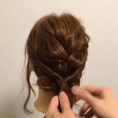 髪が短くても出来る!編み込みアップアレンジ4
