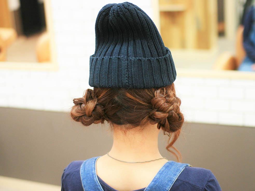 冬のマストアイテムニット帽に合うフラワーツインお団子ヘア♪