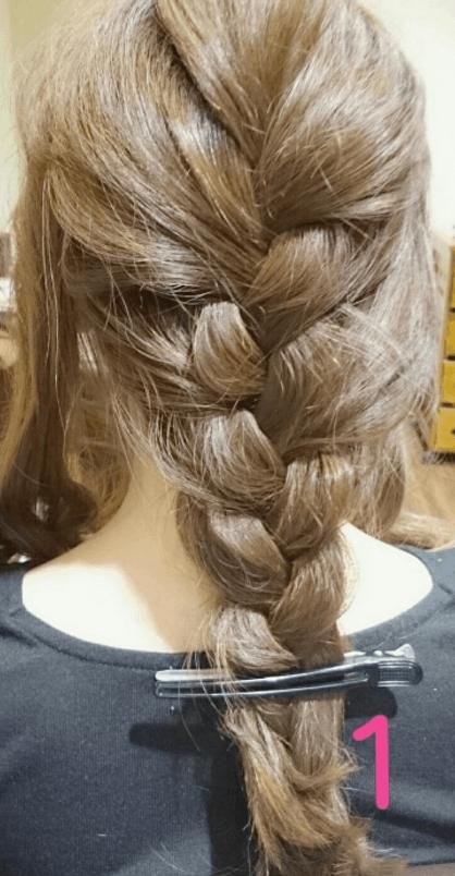 簡単ラフ!三つ編みヘアアレンジ1