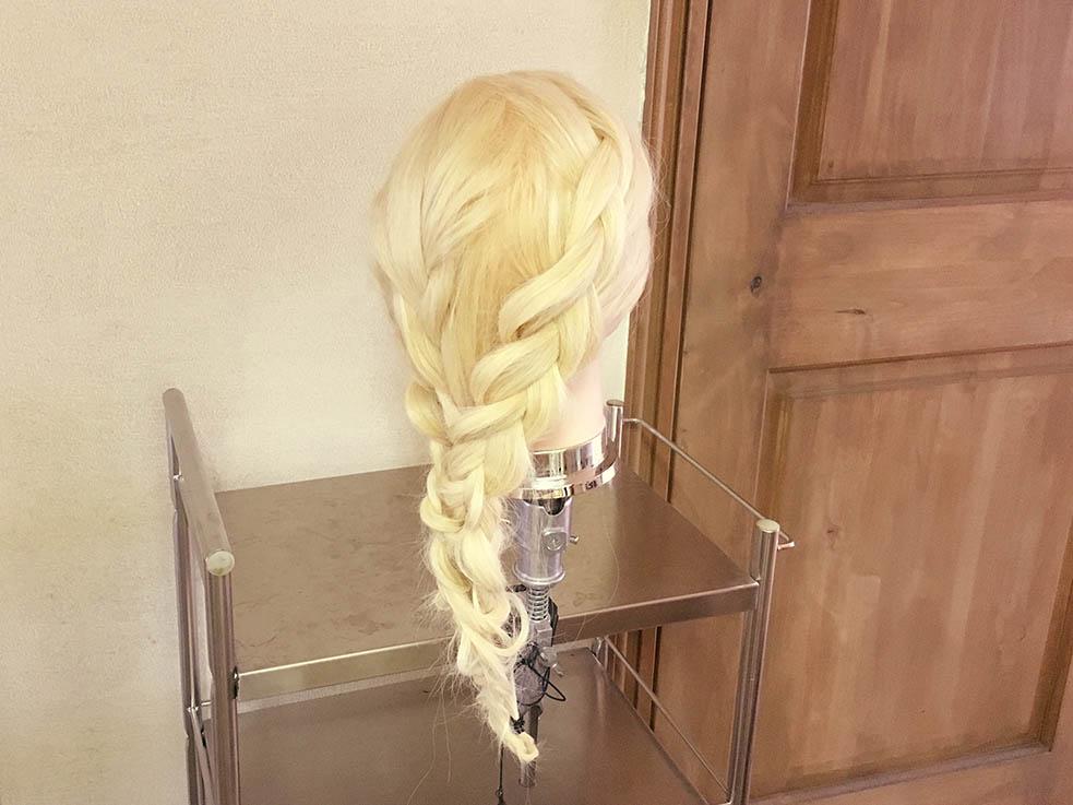 ボリューム感がかわいい♡女子力アップのダウンスタイルTOP