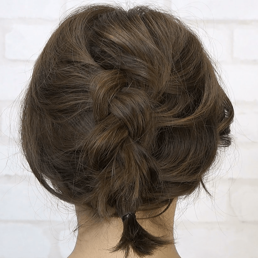 編み込みでつくるボブのフワフワまとめ髪5