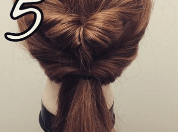 ミディアムヘアでも!簡単くるりんぱで大人可愛いまとめ髪5