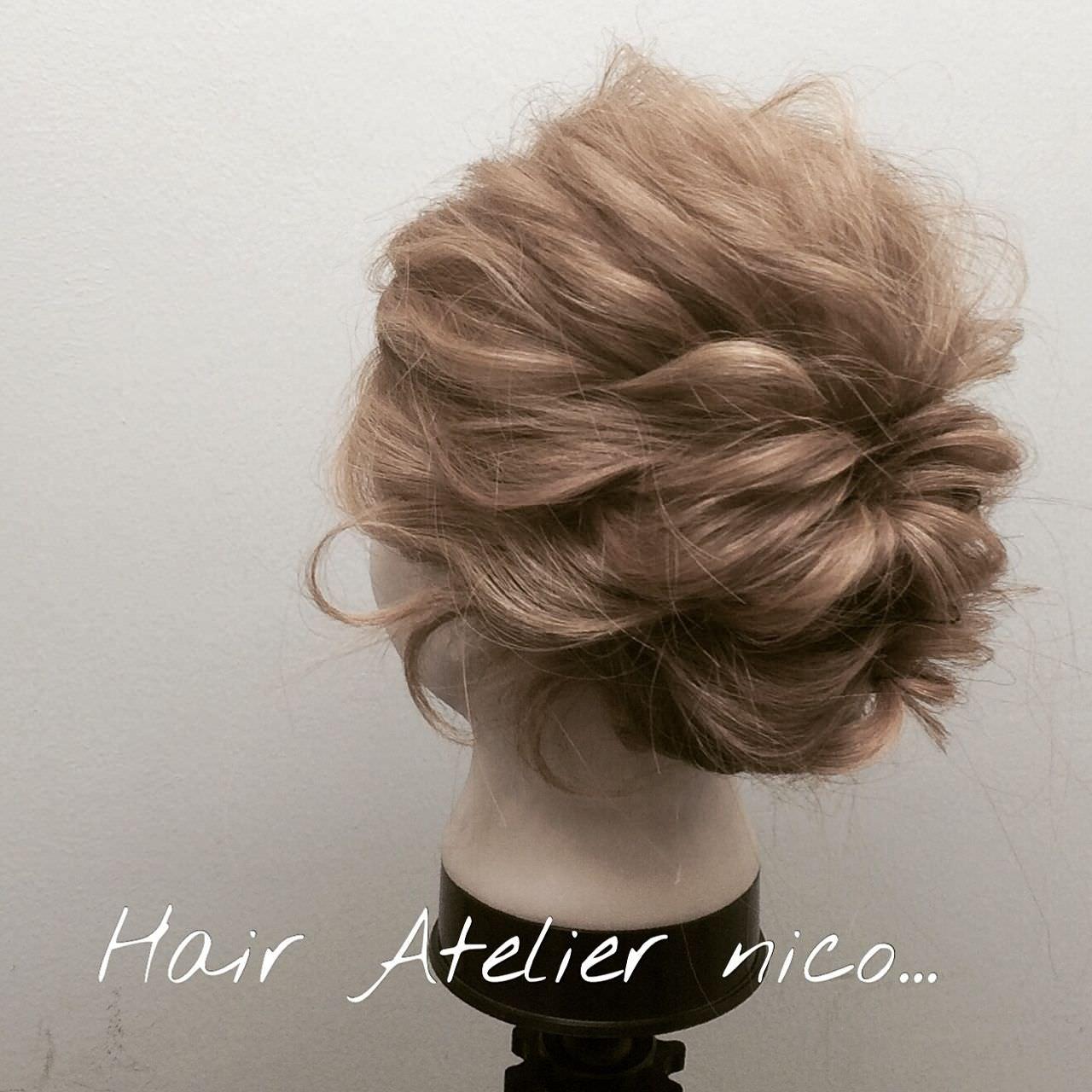 ミディアムヘアでも!簡単くるりんぱで大人可愛いまとめ髪fin