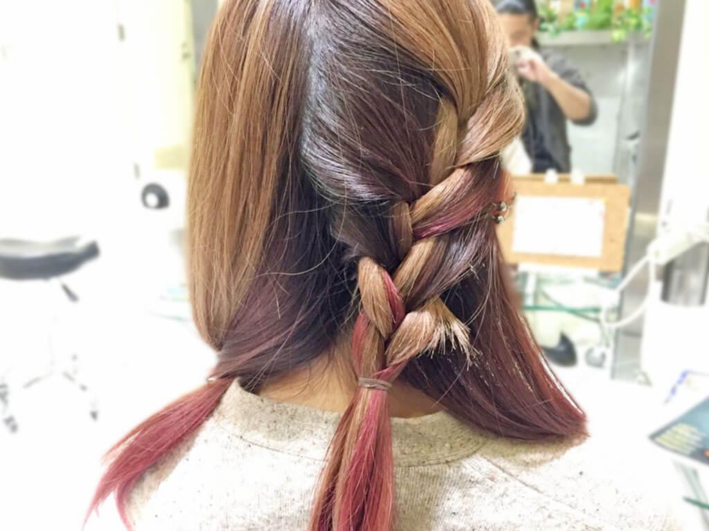 大人カジュアルで差を付ける!春の編み込みヘアアレンジ2