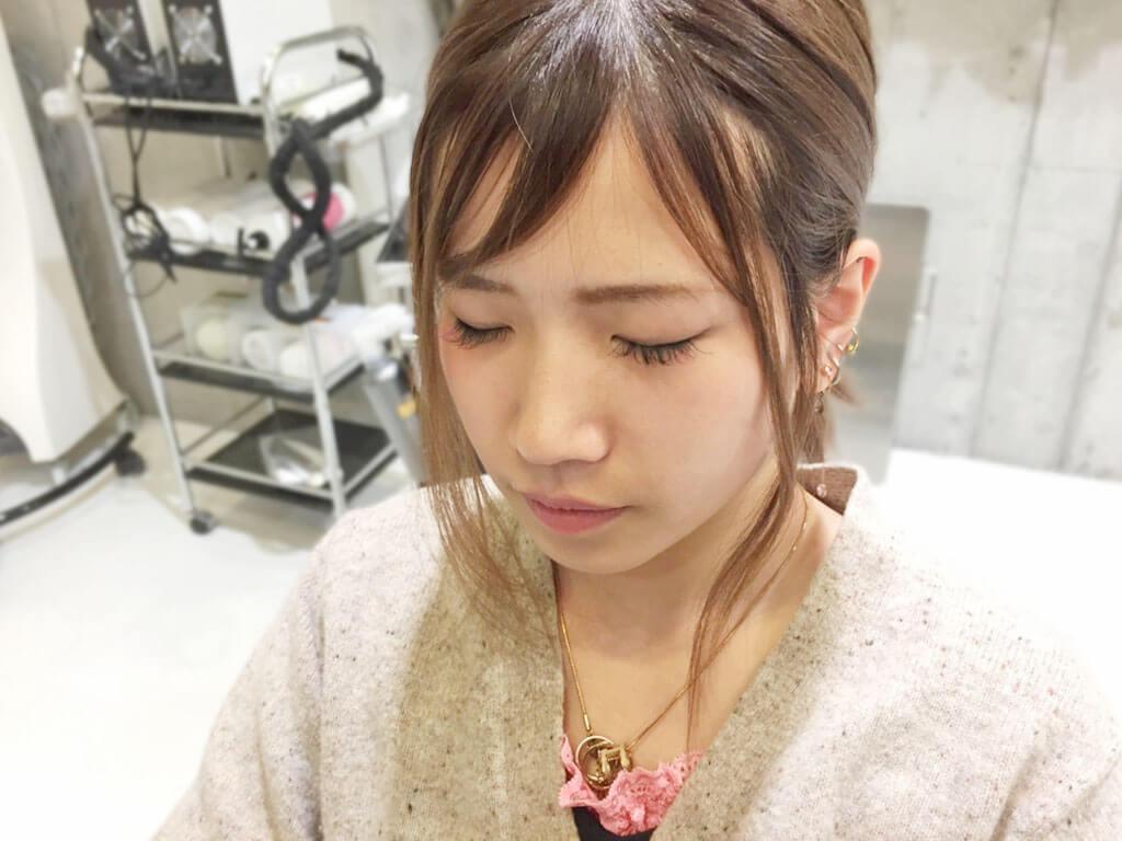 普通のポニテをさらに可愛く♡後れ毛を使ったヘアアレンジ術3