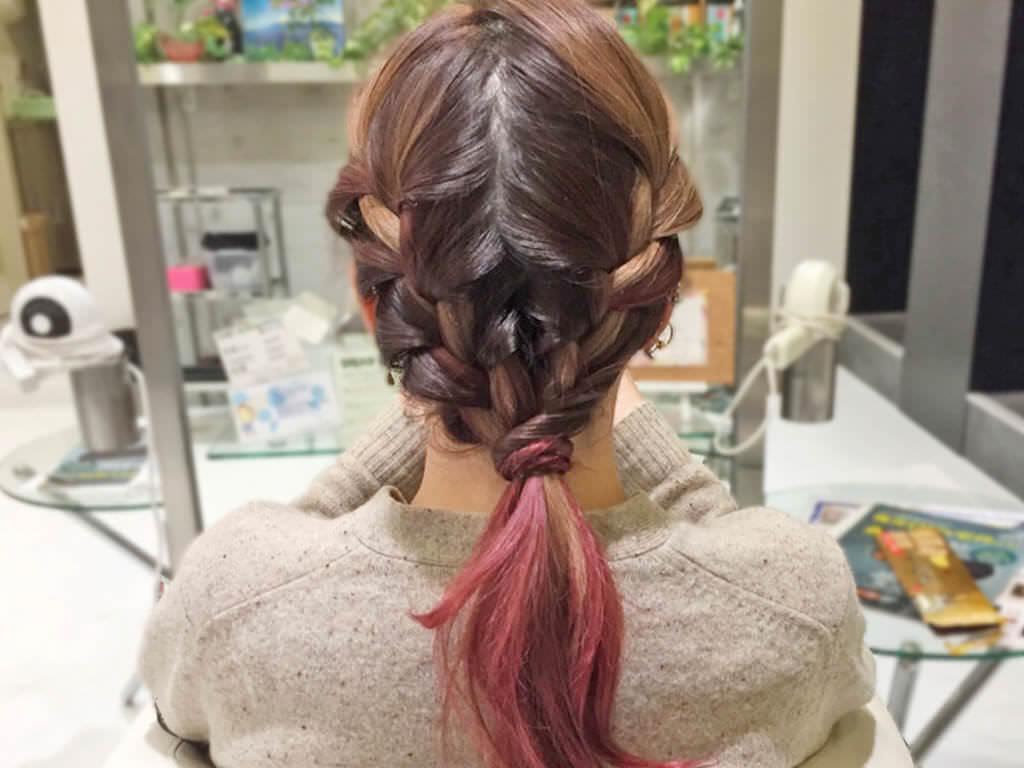 大人カジュアルで差を付ける!春の編み込みヘアアレンジ4