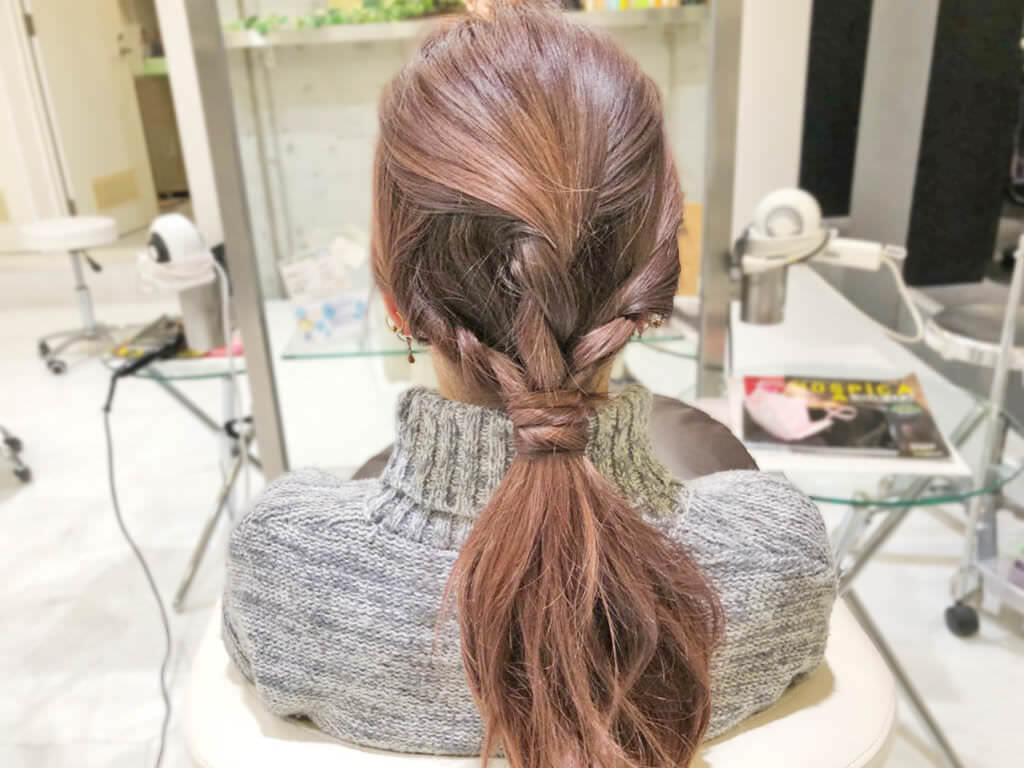 ラフでおしゃれ♪ロープ編みヘアアレンジでつくる簡単ローポニーテール5