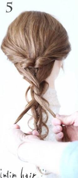 三つ編みとツイスト編みでつくる、華やかなヘアスタイル♪5