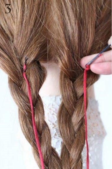 リボン三つ編みでつくる、ガーリーなヘアスタイル3